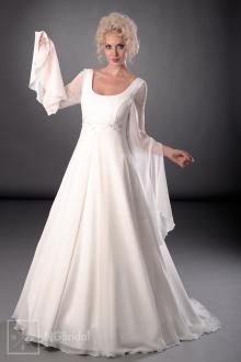 Das Brautkleid in A-Linie aus Satin und Seidenchiffon betont die eleganten Körperformen - 101003