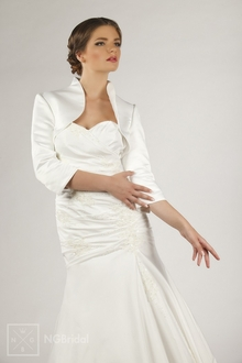 Bolero Jacke Braut Jacke fürs Brautkleid Material Satin  - E55S
