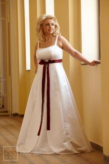 Breitkleid für schwangere Bräute mit schlichter Silhouette und eleganten Trägern - 7121