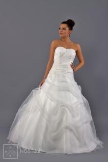 Brautkleid aus Organza und Taft arrangiert mit Elementen aus feiner Spitze. Das Modell betont den Stil und die Eleganz. - 1706