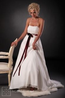 Leichtes Brautkleid aus Satin und Chiffon mit hoher Taille, Spaghetti-Trägern und freifallendem Rock - 101008