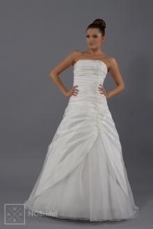 Elegantes Brautkleid mit ausnehmendem Schnitt und Dekoration - 1702