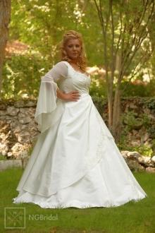 Brautkleid aus Taft mit herzförmigem Ausschnitt und luftigem Chiffonärmel - 7115