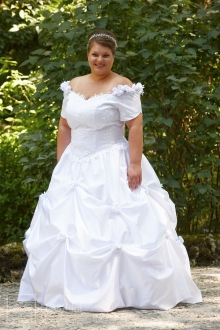 Brautkleid mit Korsett und voluminösem Rock aus weichem Taft - 7108