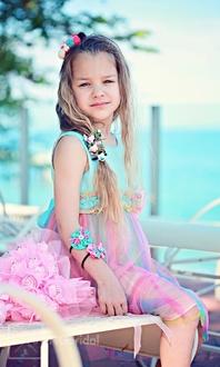 Festliches Kinderkleid mit Tüllrock und Rose  -  Modell 225