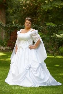 Stilvolles Kleid mit zwei Teilen aus luxuriösem Taft - 7102